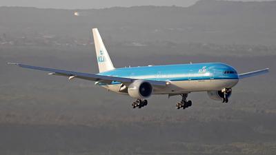 A picture of PHBVK - Boeing 777306(ER) - KLM - © Roger Cannegieter