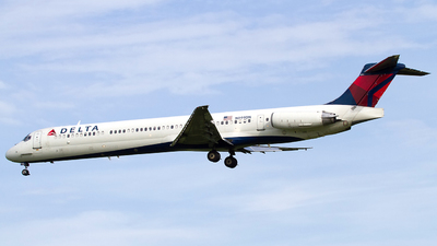 N999DN - McDonnell Douglas MD-88 - Delta Air Lines