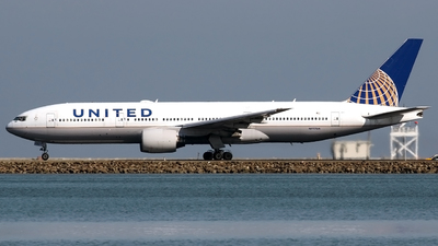 A picture of N777UA - Boeing 777222 - United Airlines - © Alejandro Hndez