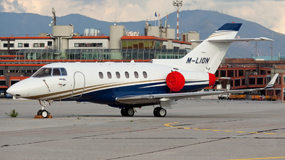 M-LION - Hawker Beechcraft 900XP - Private