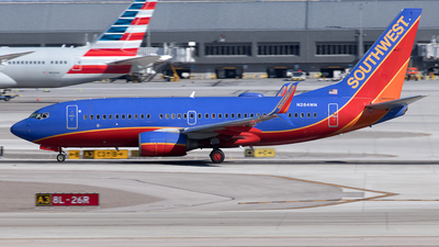 A picture of N284WN - Boeing 7377H4 - Southwest Airlines - © Yixin Chen