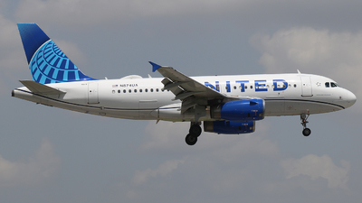 N874UA - Airbus A319-132 - United Airlines
