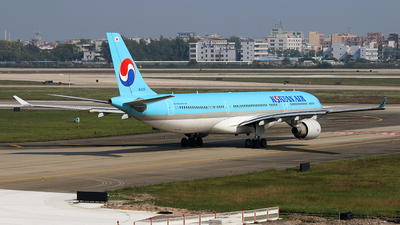 HL8025 - Airbus A330-323 - Korean Air
