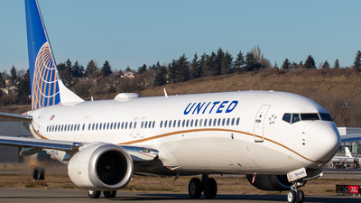 A picture of N37514 - Boeing 737 MAX 9 - United Airlines - © Chris Weyer - cactuswings