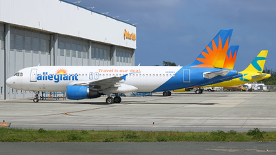 A picture of N220NV - Airbus A320214 - Allegiant Air - © Angel Natal