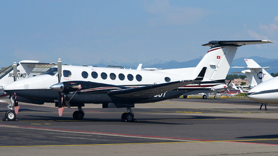 HB-GJT - Beechcraft B300 King Air 350 - Private
