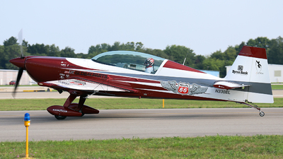 N330EL - Extra 300LC - Private
