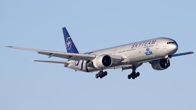 A picture of PHBVD - Boeing 777306(ER) - KLM - © C. v. Grinsven