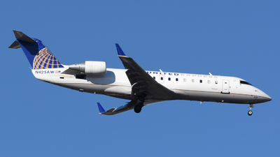 A picture of N425AW - Mitsubishi CRJ200LR - United Airlines - © DJ Reed - OPShots Photo Team