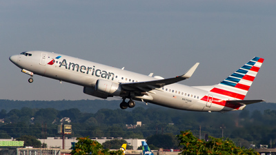 A picture of N970AN - Boeing 737823 - American Airlines - © Devon McCune