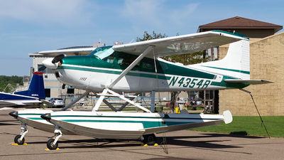 N4354R - Cessna A185F Skywagon - Private