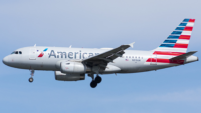 A picture of N819AW - Airbus A319132 - American Airlines - © Wes B