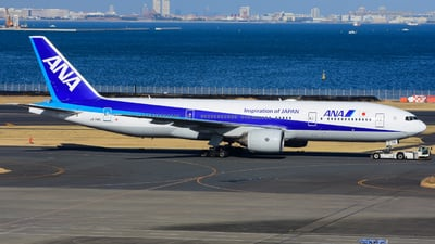 A picture of JA714A - Boeing 777281 - All Nippon Airways - © samuelau