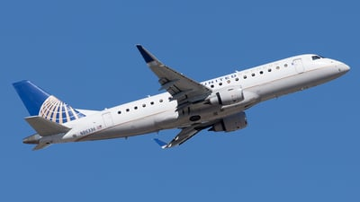 A picture of N86336 - Embraer E175LR - United Airlines - © Yixin Chen