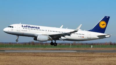 A picture of DAIUN - Airbus A320214 - Lufthansa - © Marin Ghe.