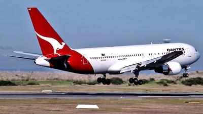 VH-EAQ - Boeing 767-238 - Qantas