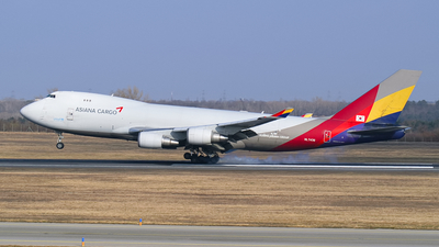 A picture of HL7436 - Boeing 74748EF(SCD) - Asiana Airlines - © Thomas Ramgraber