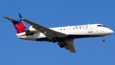 A picture of N702BR - Mitsubishi CRJ200LR - Delta Air Lines - © Alec Mollenhauer