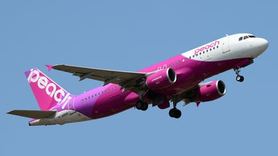 JA816P - Airbus A320-214 - Peach Aviation