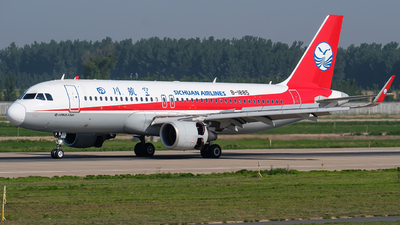 A picture of B1885 - Airbus A320214 - Sichuan Airlines - © JerryLiuX.C