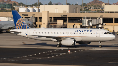 A picture of N462UA - Airbus A320232 - United Airlines - © arizona.aviation - Anthony