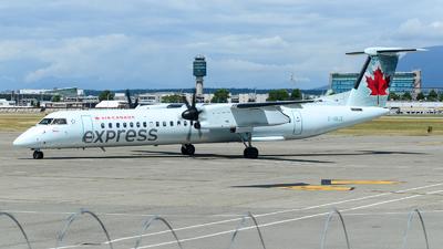 A picture of CGBJZ - De Havilland Canada Dash 8400 - Air Canada - © Chung Kwok