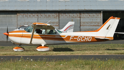 F-GCHO - Reims-Cessna F172N Skyhawk II - Private