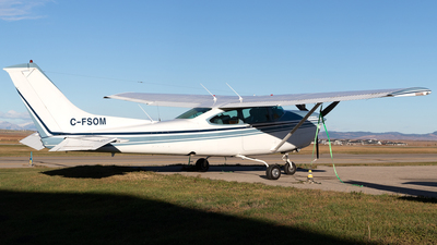 C-FSOM - Cessna TR182 Turbo Skylane RG - Private