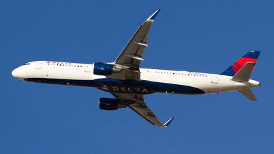 A picture of N327DN - Airbus A321211 - Delta Air Lines - © Jeremy D. Dando