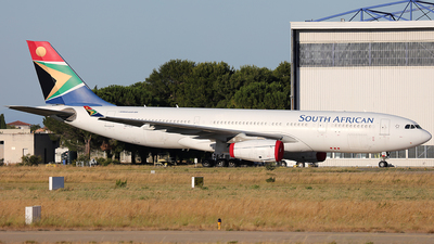 VP-CGI - Airbus A330-243 - South African Airways