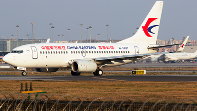 A picture of B5827 - Boeing 73776D - China Eastern Airlines - © zzy020213