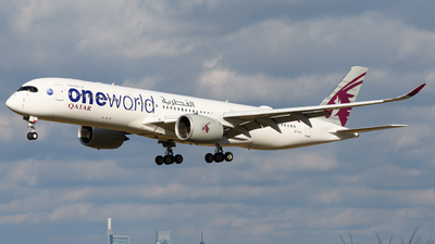 A picture of A7ALZ - Airbus A350941 - Qatar Airways - © Chris Popovich