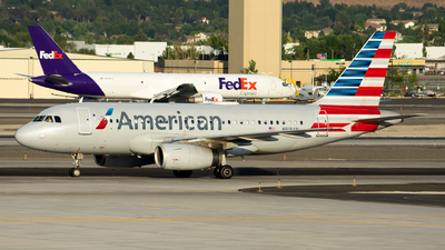 A picture of N818AW - Airbus A319132 - American Airlines - © Michael Rodeback