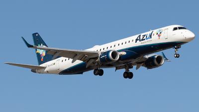 A picture of PRAXE - Embraer E195AR - Azul Linhas Aereas - © Augusto Fernandes