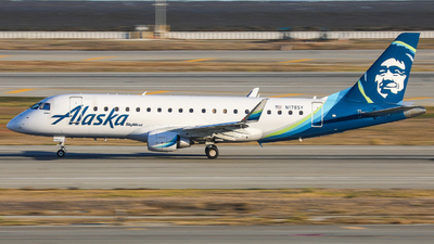 A picture of N178SY - Embraer E175LR - Alaska Airlines - © KenKen Huang