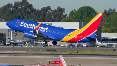 A picture of N275WN - Boeing 7377H4 - Southwest Airlines - © Taxi_Way_
