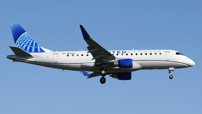 A picture of N615UX - Embraer E175LL - United Airlines - © DJ Reed - OPShots Photo Team