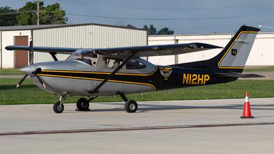 A picture of N12HP - Cessna 182T Skylane - [18281158] - © Chris Brault