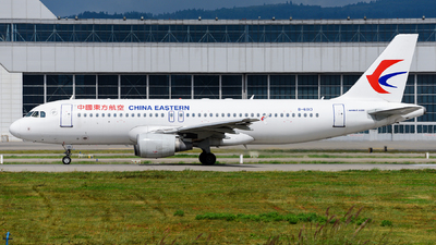 A picture of B6013 - Airbus A320214 - China Eastern Airlines - © guweishi
