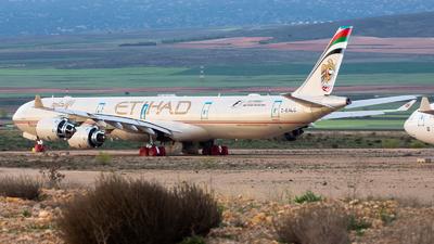 2-EALC - Airbus A340-642 - Etihad Airways