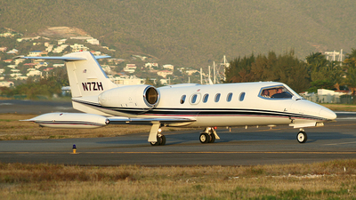 N7ZH - Bombardier Learjet 35A - Private