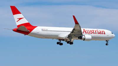 A picture of OELAW - Boeing 7673Z9(ER) - Austrian Airlines - © Haocheng Fang