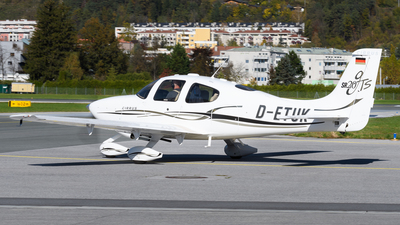 D-ETUK - Cirrus SR20-GTS - Private