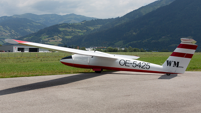 OE-5425 - Pilatus B4-PC11AF - Private