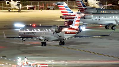 A picture of N587NN - Mitsubishi CRJ900LR - American Airlines - © Yan777