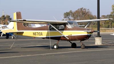 A picture of N6710A - Cessna 172 Skyhawk - [28810] - © Jeroen Stroes