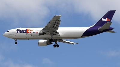 A picture of N672FE - Airbus A300F4605R - FedEx - © Mark Szemberski