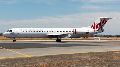 A picture of VHFNU - Fokker 100 - Virgin Australia - © Joel Baverstock