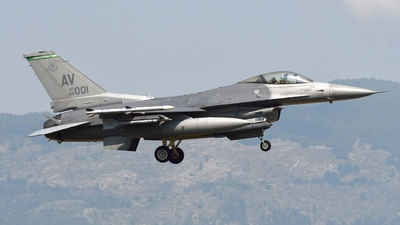 89-2001 - General Dynamics F-16CG Fighting Falcon - United States - US Air Force (USAF)