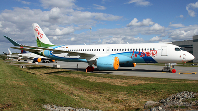 A picture of CFOWU - Airbus A220100 - Airbus - © Daniel Lapierre Forget